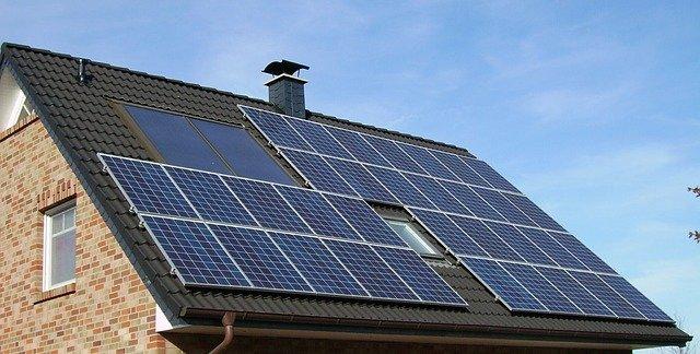Att installera solceller på villan
